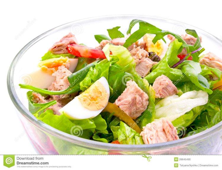 Salata cu ton si alte bunatati