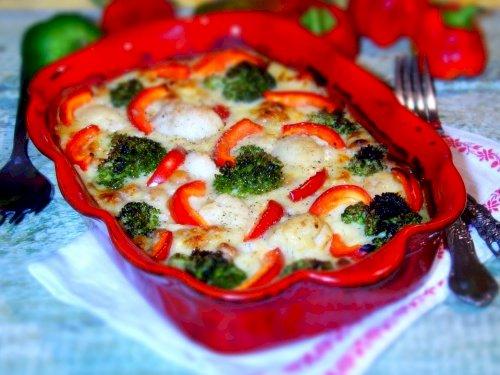 Conopida, ardei kapia si broccoli gratinate