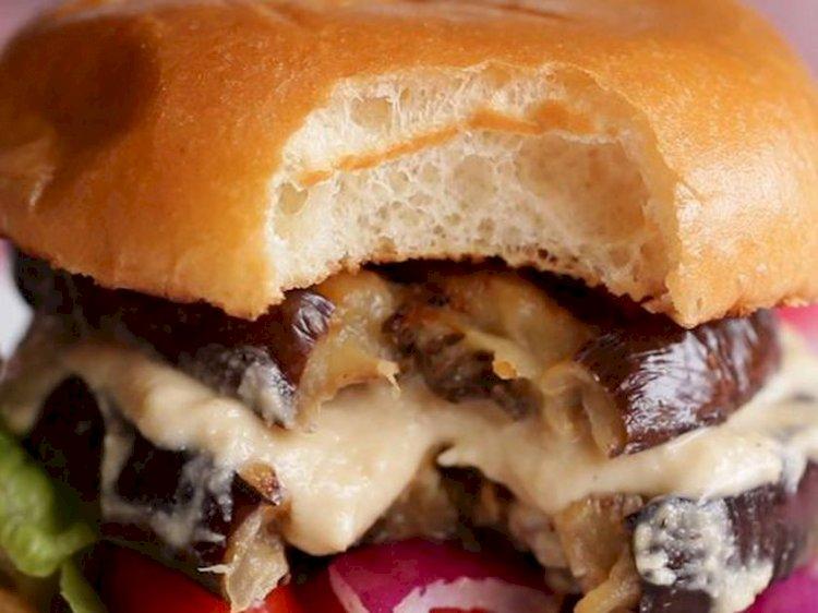 Burger cu vinete şi hummus